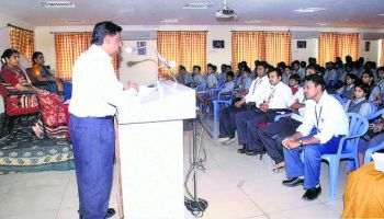 Velammal College of Engineering & Technology Auditorium