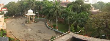 Lady Hardinge Medical College Campus