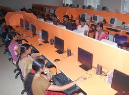 Dr. Umayal Ramanathan College for Women Computer Lab