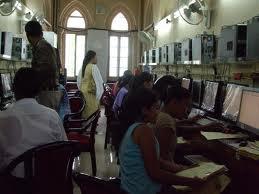 Elphinstone College Computer Lab