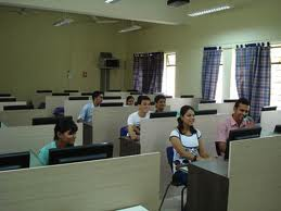 Deccan Education Societys Institute of Management Development and Research Computer Lab