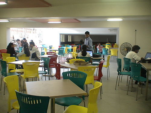 N. L. Dalmia Institute of Management Studies and Research Canteen