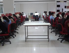East West Institute of Technology Computer Lab