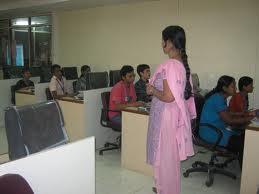 Tolani College of Commerce (TCC) Computer Lab