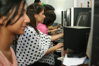 IIMMI - International Institute of Management, Media & IT Computer Lab