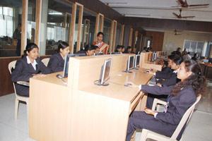 Dr.Daulatrao Aher College of Engineering Computer Lab