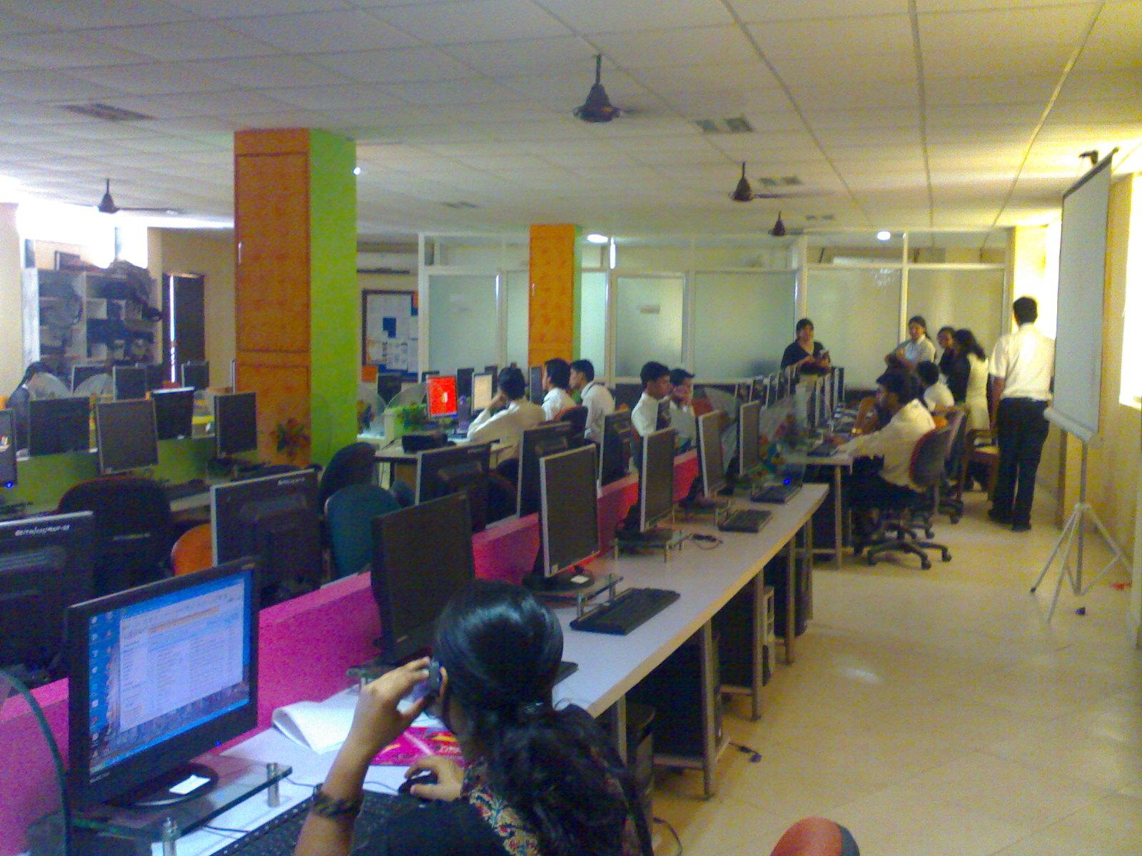 Gyan Ganga Institute Computer Lab