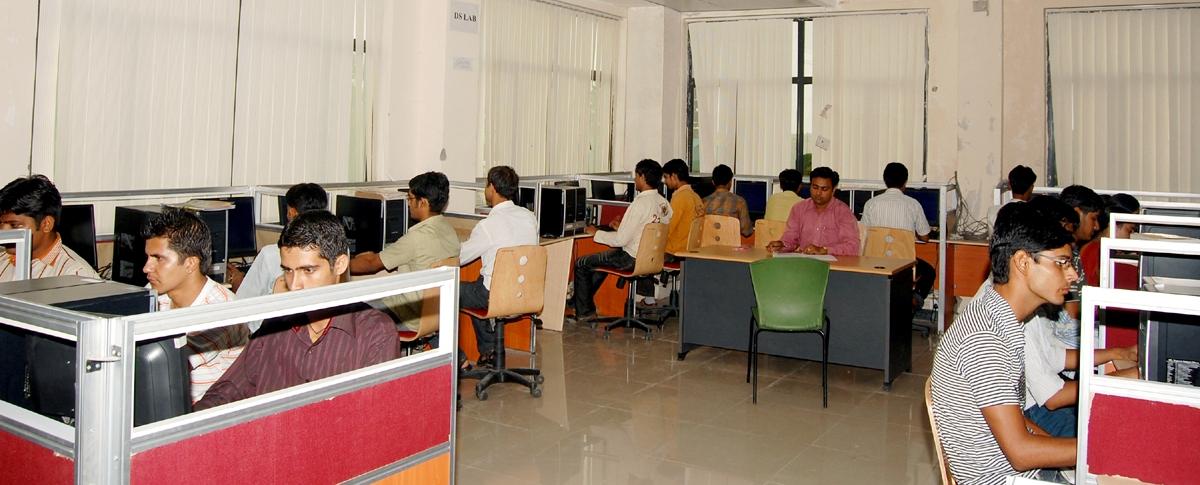 HIET Computer Lab